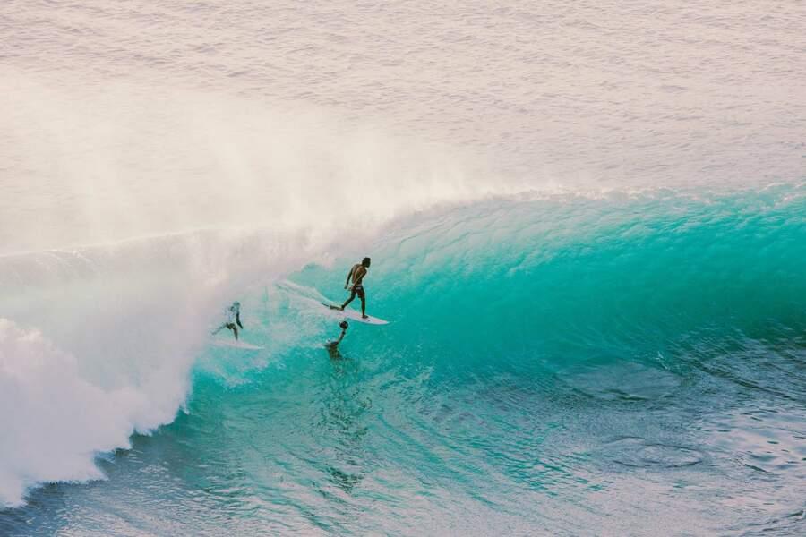 Surf à Padang Padang, Bali, Indonésie