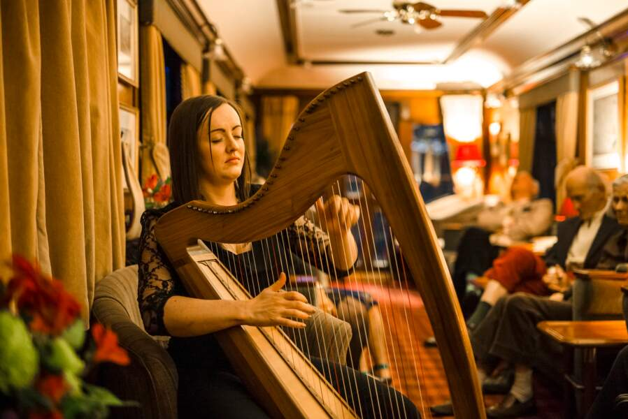 La harpiste Rachel Hair
