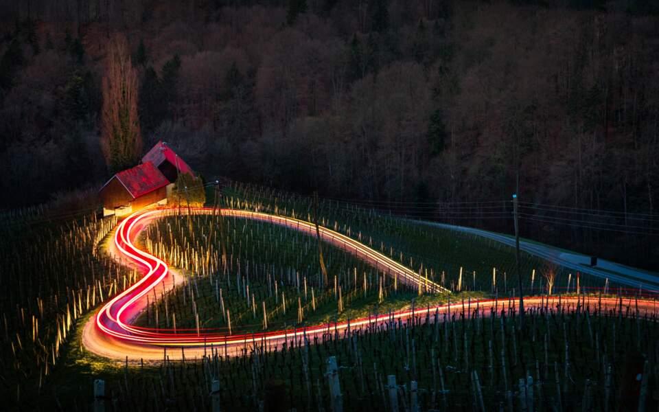 Route en forme de cœur à Špičnik, enSlovénie