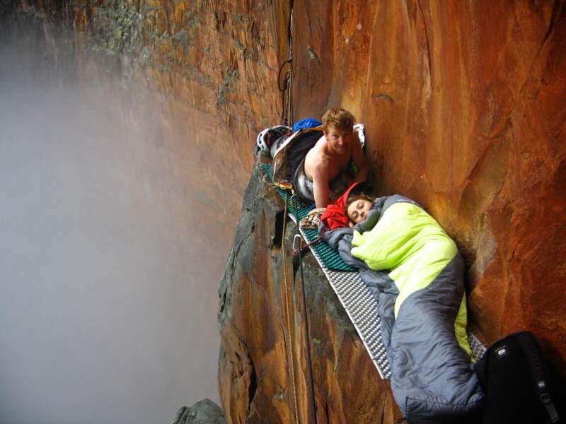 Premier bivouac à 800 mètres de hauteur sur le Salto Angel, Venezuela