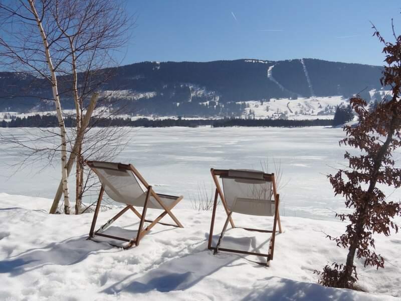 Soleil sur lac gelé dans le Jura, France, par Sophie Boutdumonde / Communauté GEO
