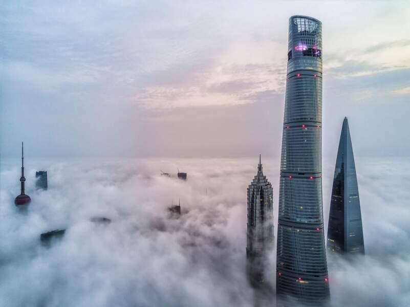 3. La tour Shanghai en Chine avec 632 mètres de hauteur (2015)