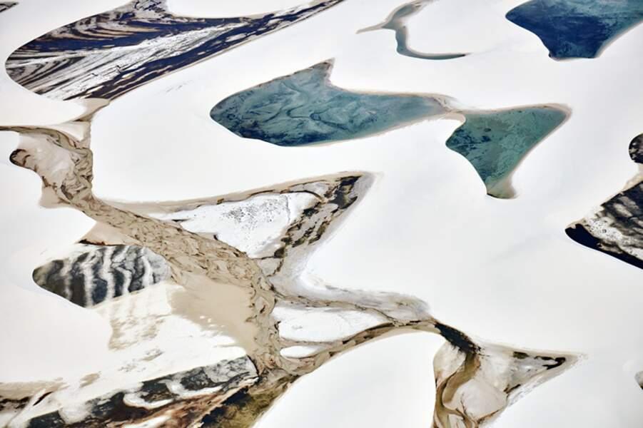 De l'art abstrait fait d'eau et de sable / Rudi Sebastian, catégorie détails
