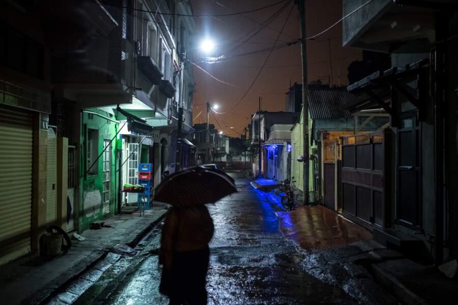 Sous la pluie dans le Chinatown de Port Louis