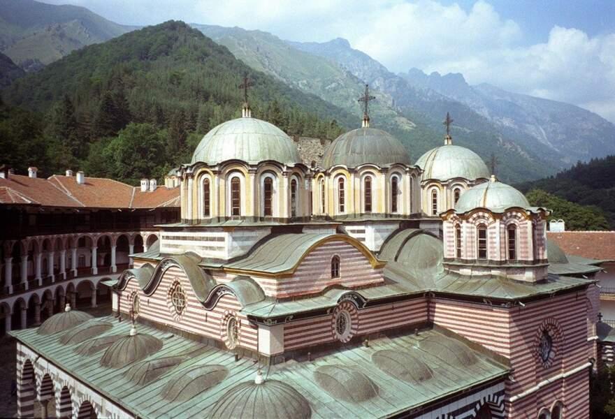 Monastère de Rila, en Bulgarie, par impitoyable