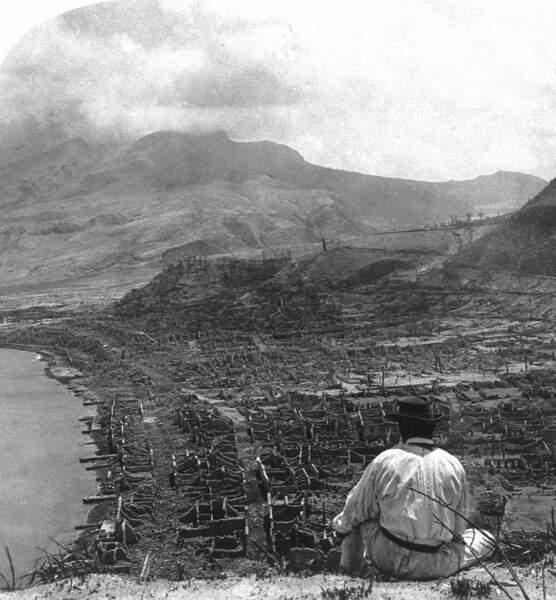 Le 9 mai 1902, au pied de la montagne Pelée, tout est dévasté
