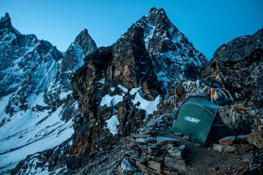 Passage du Renjo, au Népal