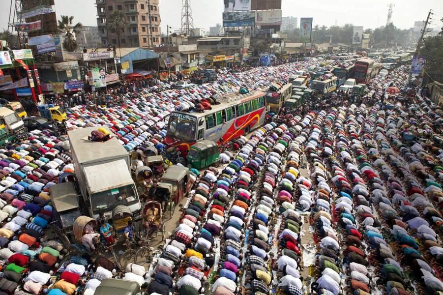 Tongi, Bangladesh : bouchons sur le chemin de la foi