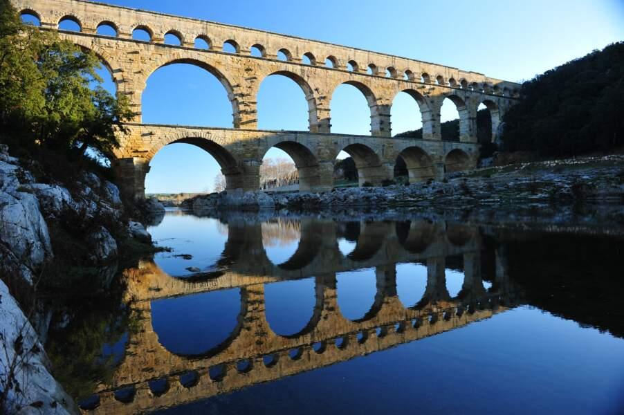 S'émerveiller devant le Pont du Gard