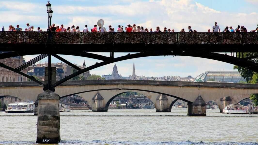 Photo prise au Pont des Arts à Paris (France) par le GEOnaute : montaigne