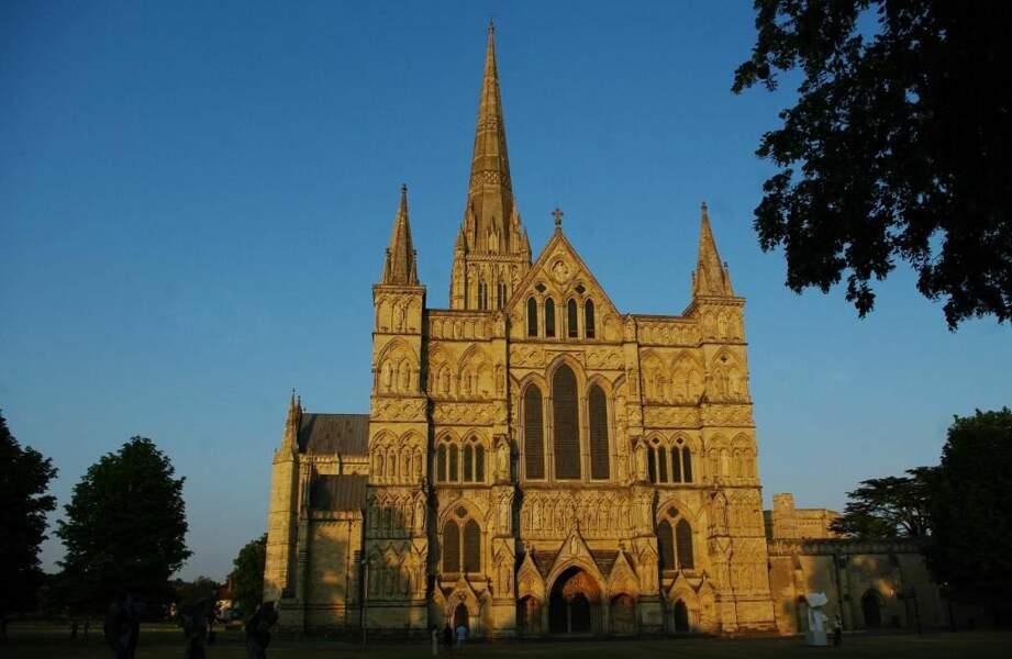 Photo prise à la cathédrale de Salisbury (Grande-Bretagne) par le GEOnaute : satto