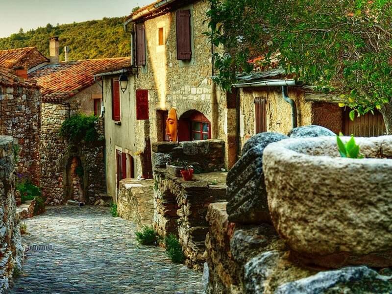 Diaporama n°8 : Minerve : pierre précieuse du Languedoc-Roussillon