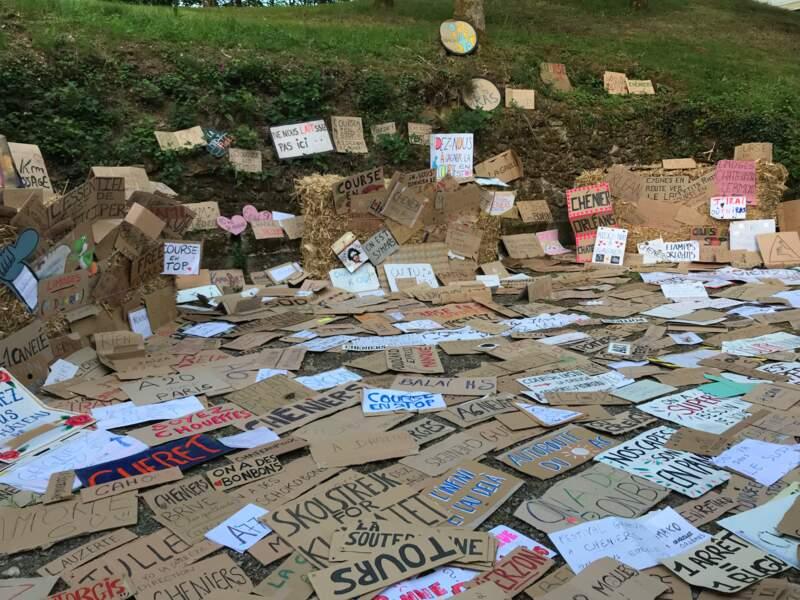 Au cimetière des pancartes