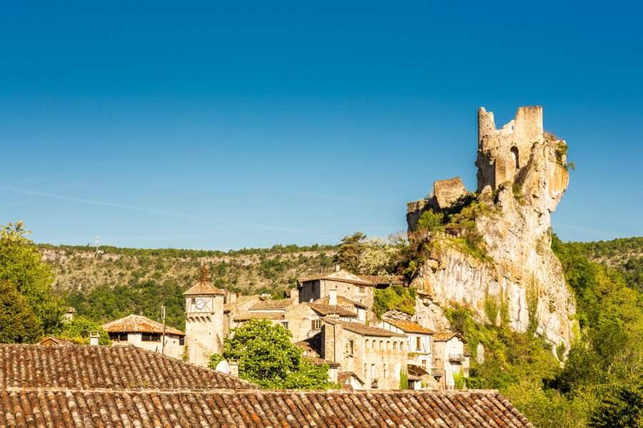 Le village de Penne (dans le Tarn) : son château, sa vieille ville...