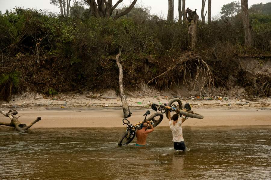 Crocos + sables mouvants = intéressantes les traversées …