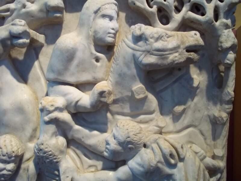 Découvrir le musée départemental de l'Arles antique