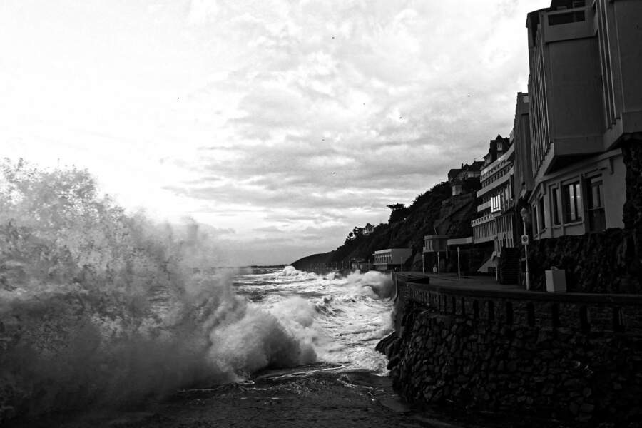 Tempête hivernale à Granville / par Mehdi Lemoine