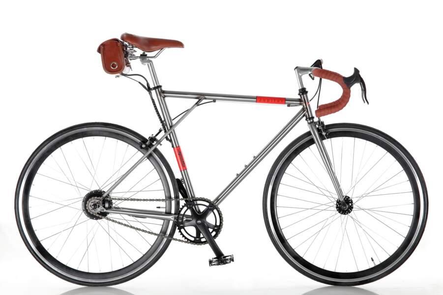 Ça roule avec ce vélo électrique au design rétro