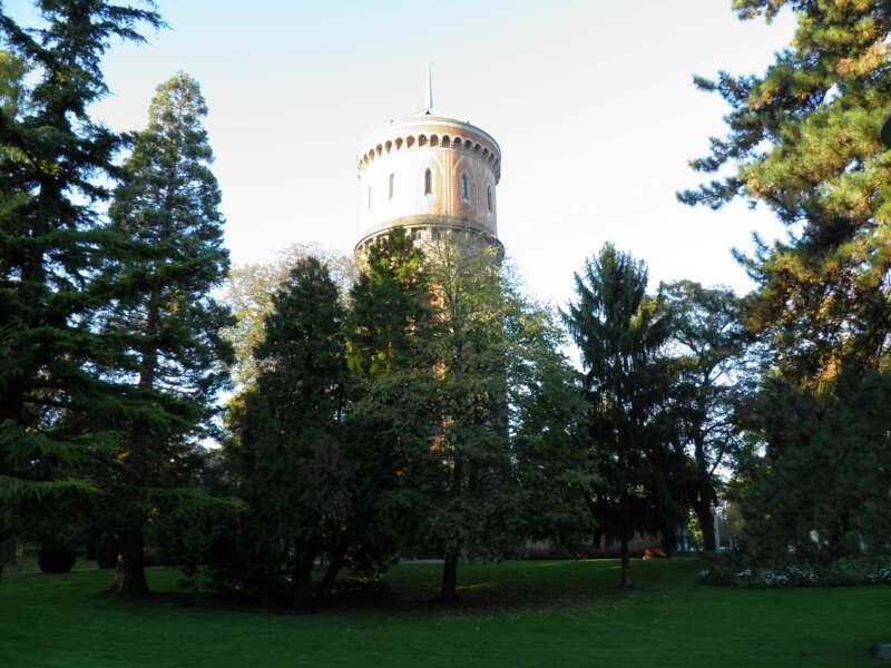 Se détendre dans le parc du Château d'eau