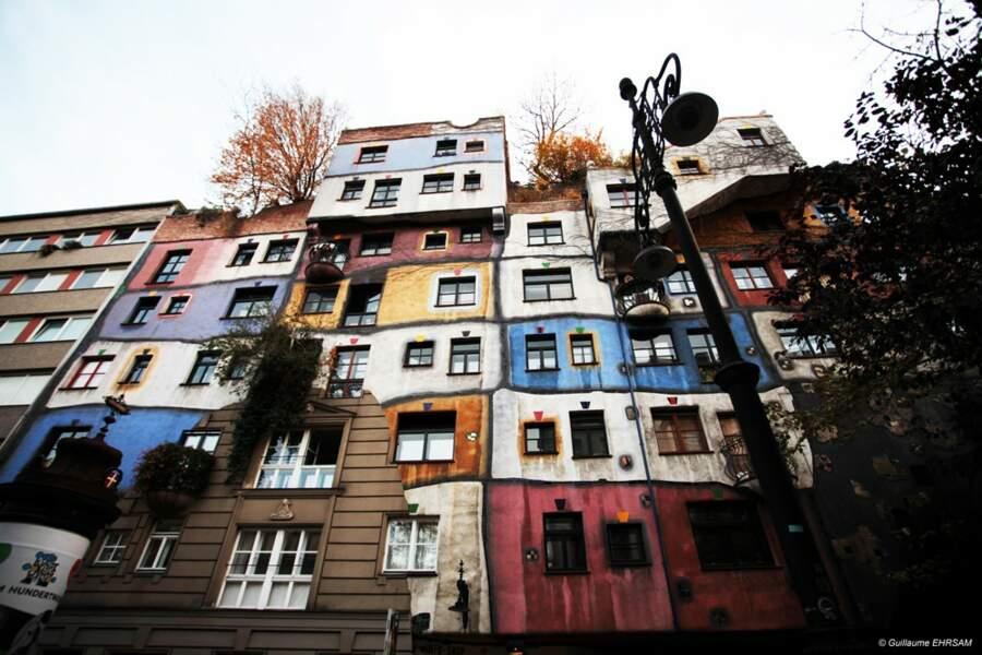 Façade d'un immeuble Hundertwasser