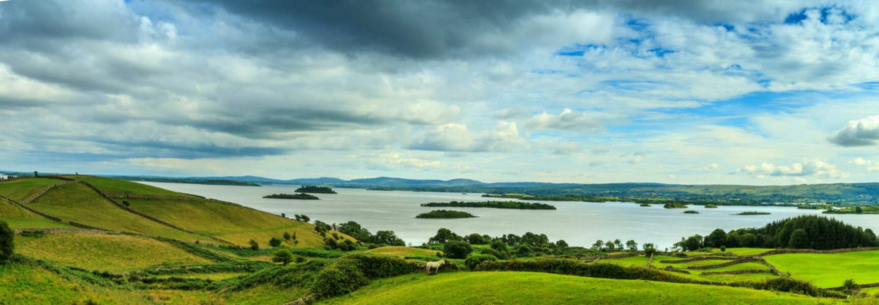 Lough Corrib, dans le Connemara en Irlande