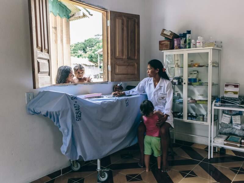 Conséquence de la reconnaissance de leur communauté, la création d'un poste d'infirmière