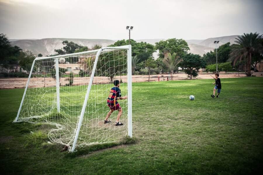 Terrain de foot en zone très aride