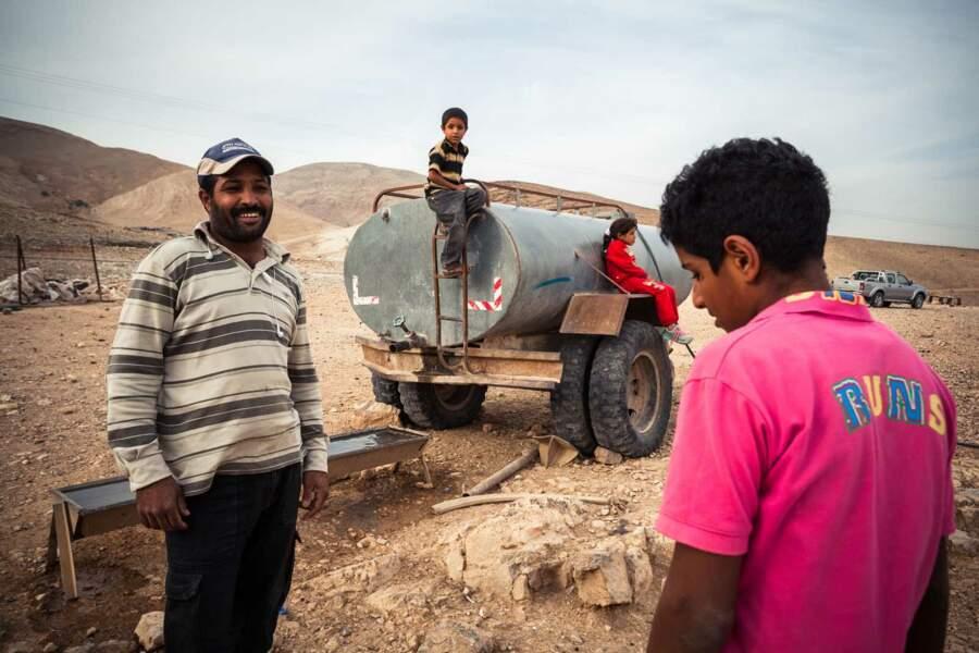 Dans les Territoires occupés, les Palestiniens sont ravitaillés au compte-gouttes