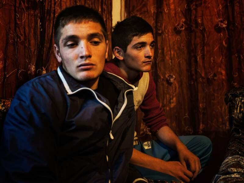 Dès l'âge de 14 ans, les garçons peuvent être victimes ou bourreaux