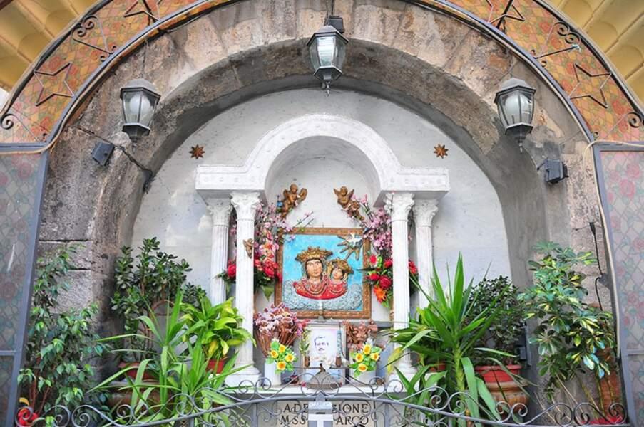 Voir Naples… sans mourir