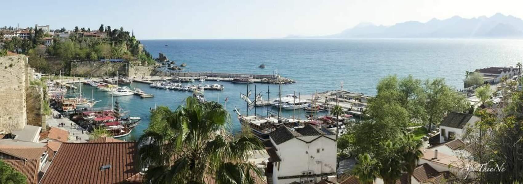 Port d'Antalya en Turquie, par ApoThieNe