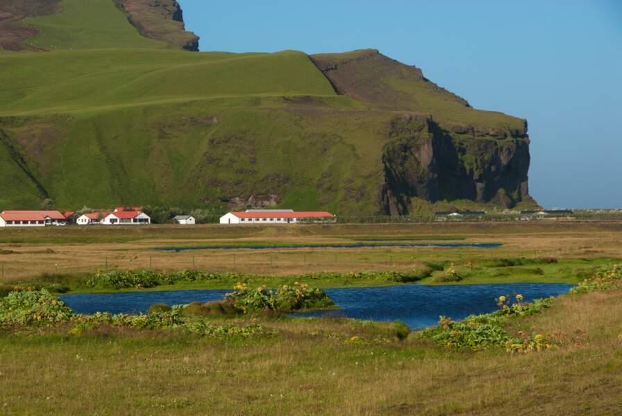 Hofdabrekka, en Islande : monts Crocgivre (Frostfangs)