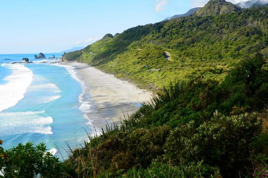 Le long de la route 6 sur la côte Ouest de l'île du Sud