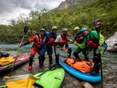 Paddle sur un fil turquoise au Monténégro