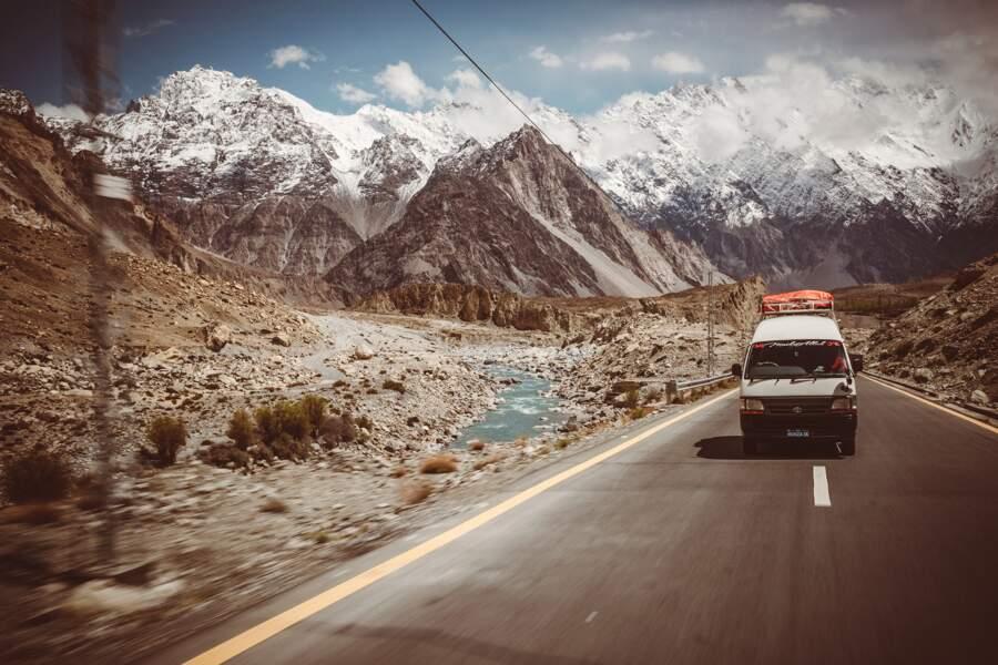 La Karakoram Highway