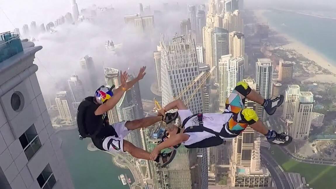 VIDÉO : En chute libre du haut d'un gratte-ciel de Dubaï
