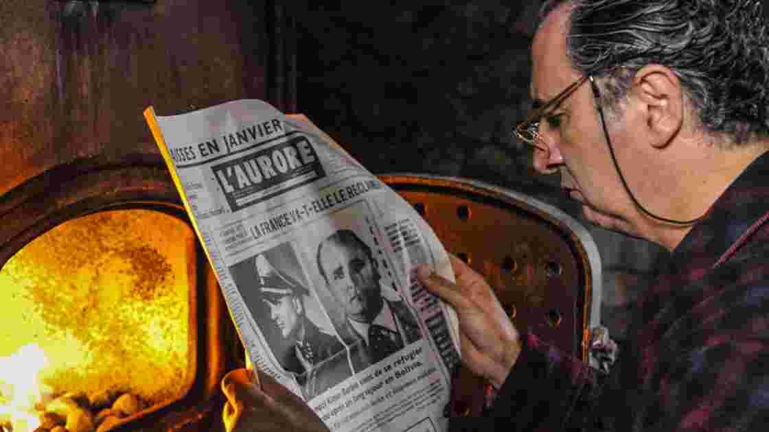 François Morel dans le rôle de Paul Touvier, un des personnages les plus sombres de l'histoire de France