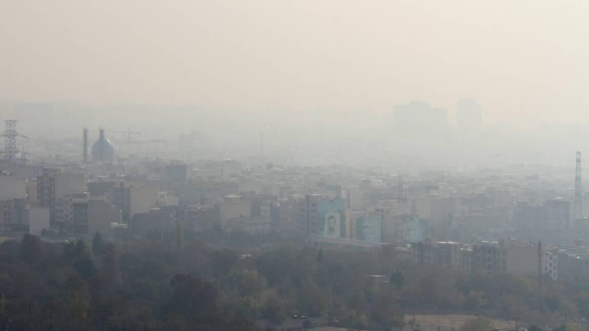 Pollution: les écoles primaires fermées à Téhéran