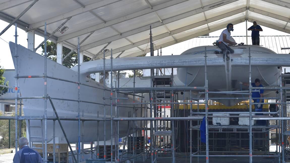 Préparatifs intensifs pour le bateau écologique Energy Observer avant son tour du monde