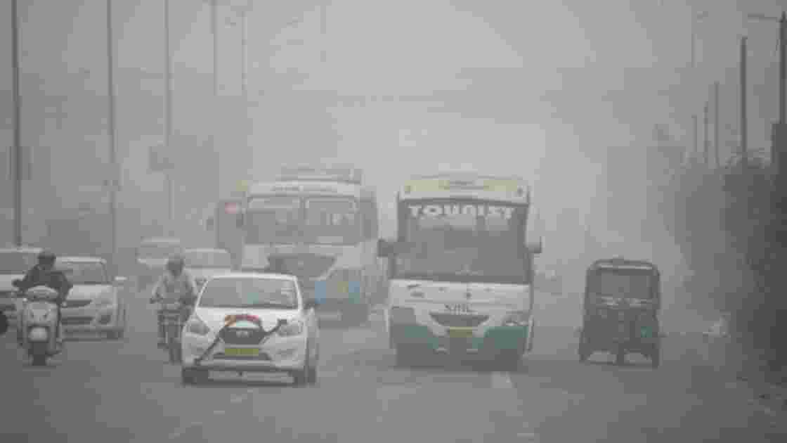 Inde: New Delhi continue de tousser dans la pollution
