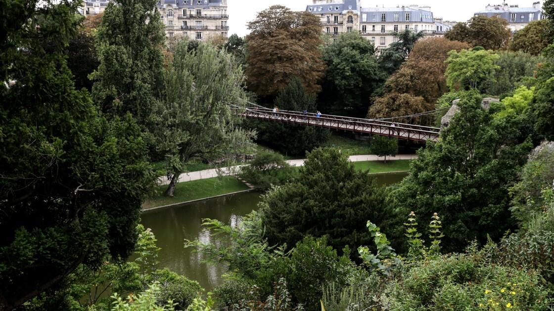 Le parc des Buttes-Chaumont, poumon vert de Paris, fête ses 150 ans