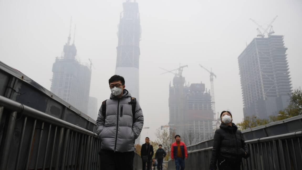 """Pollution de l'air: Pékin en """"alerte rouge"""", une première en 2016"""