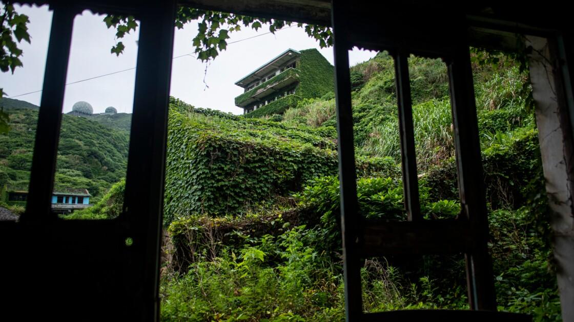 En Chine, la nature reprend ses droits dans un village figé dans le temps