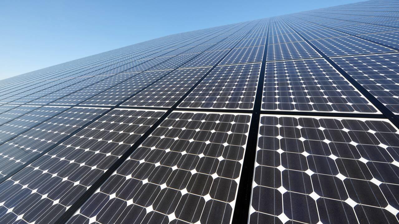 Anne Hidalgo inaugure la plus grande centrale photovoltaïque sur toiture d'IDF