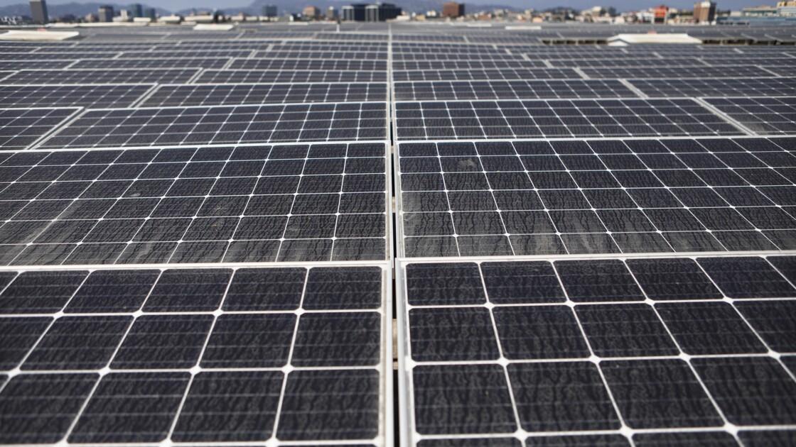 """La Californie s'engage à 100% d'électricité """"propre"""" d'ici 2045 (gouverneur)"""