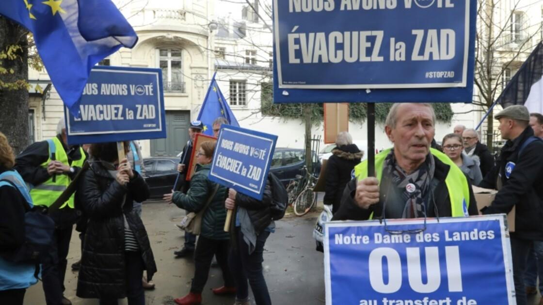 ND-des-Landes: Valls affiche sa détermination