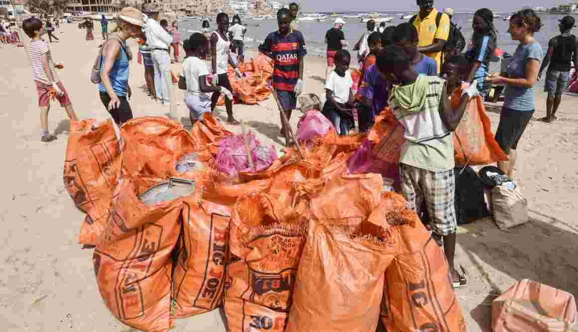 A Dakar, une célèbre plage débarrassée de ses déchets