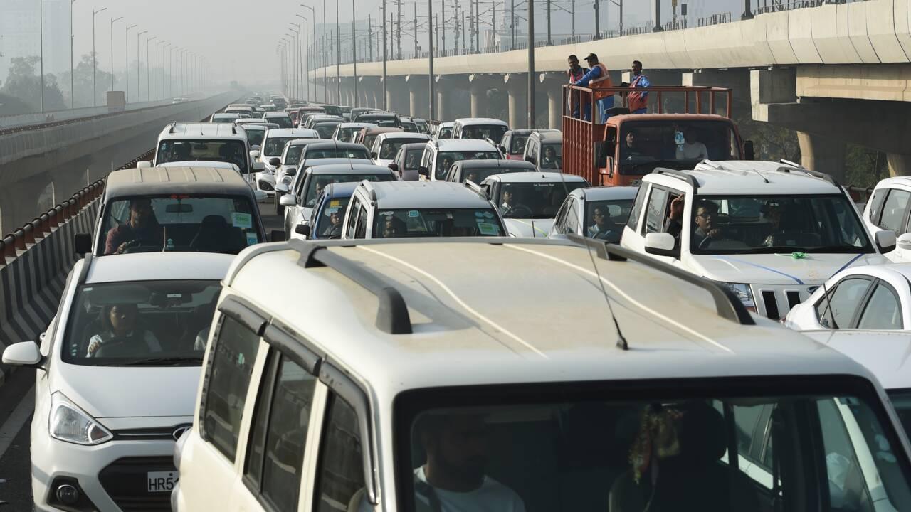 Pollution: l'Inde interdit la vente de 800.000 véhicules