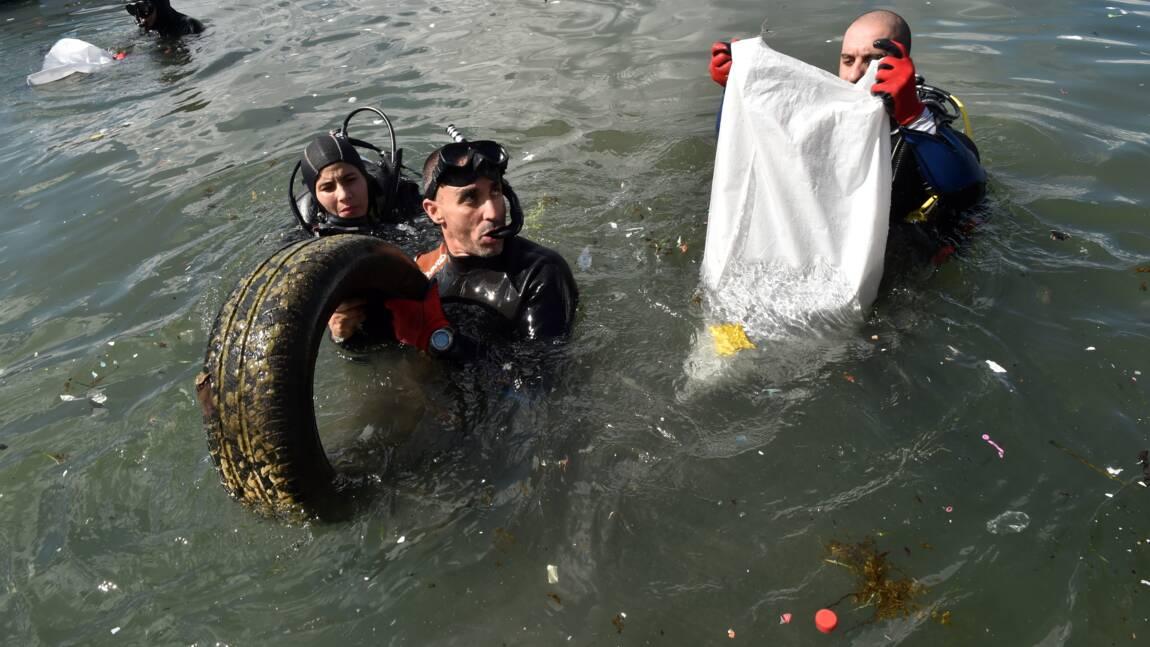 En Algérie, les éboueurs de la mer au chevet des plages