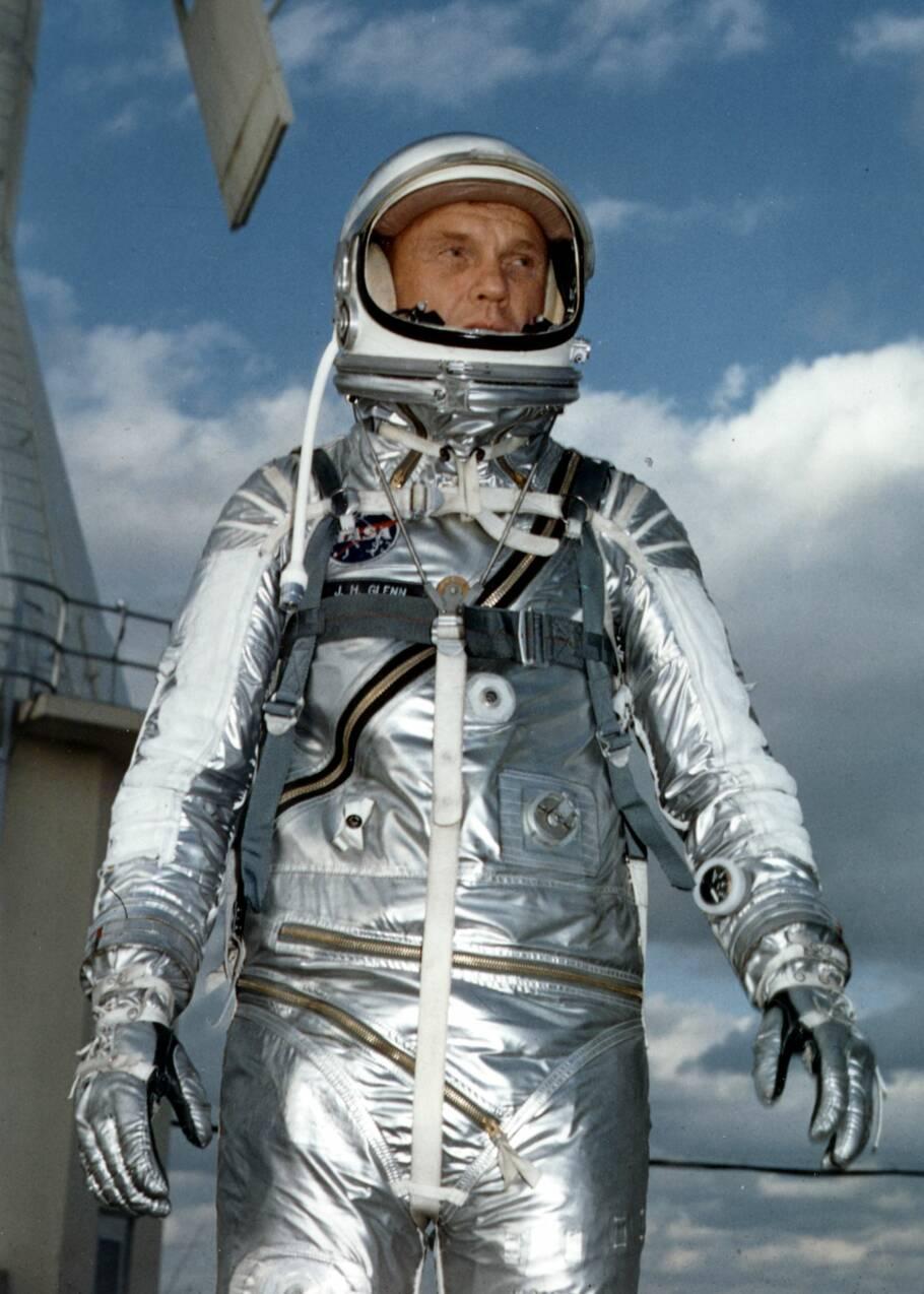 John Glenn, premier Américain autour de la Terre et plus vieil homme dans l'espace
